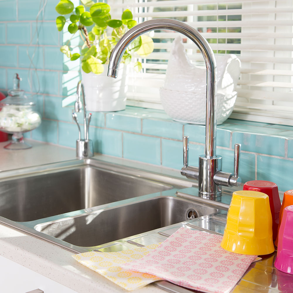 Come cambiare il rubinetto del lavandino e dare alla tua cucina un ...