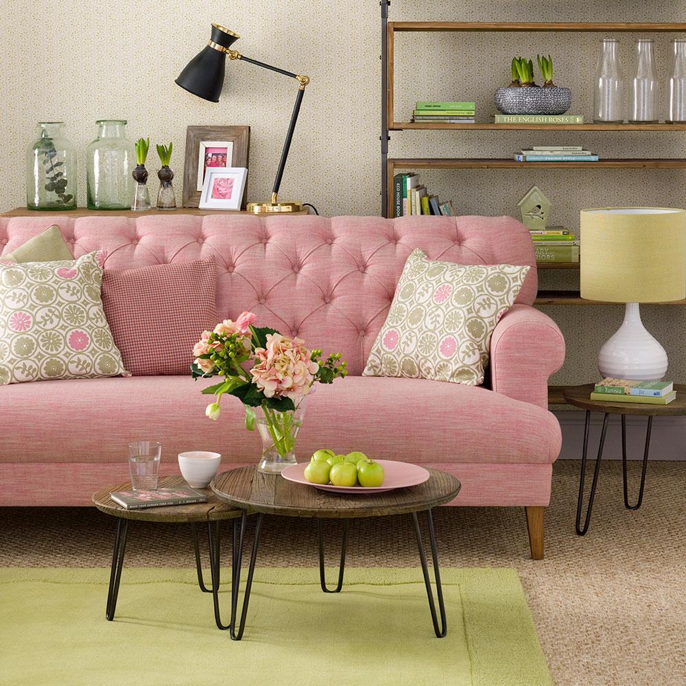 Green-soggiorno-ideas-pink-divano