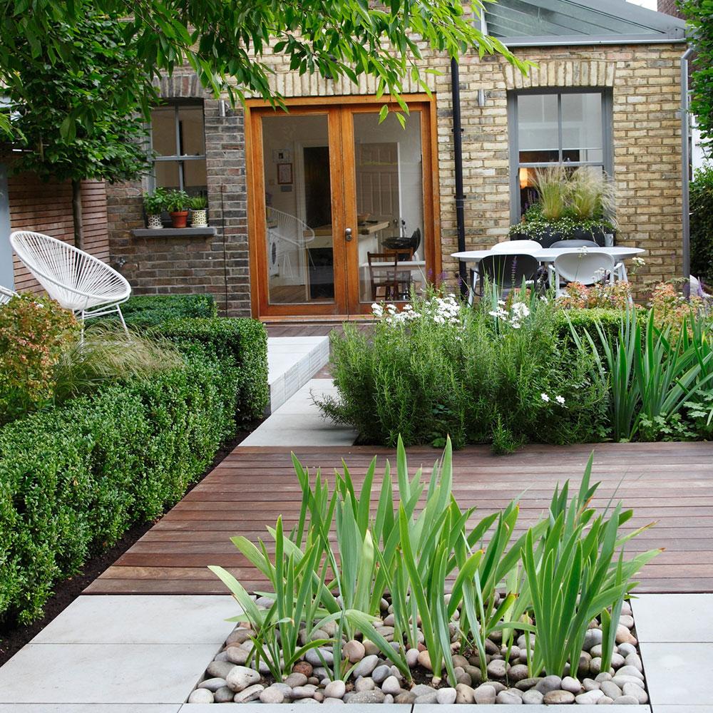 Giardino architettonico con piano di calpestio misto