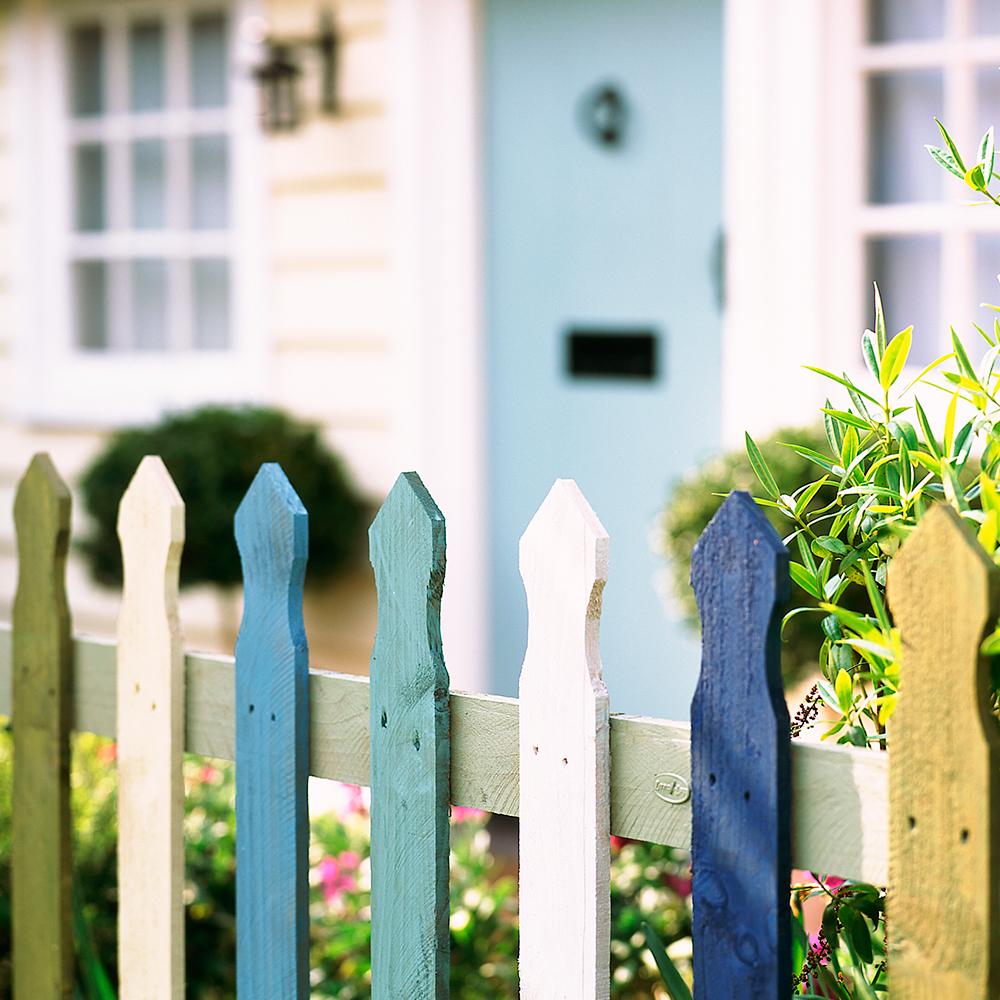 Staccionata Bianca In Legno 10 consigli e idee di recinzione da giardino per ispirarti a