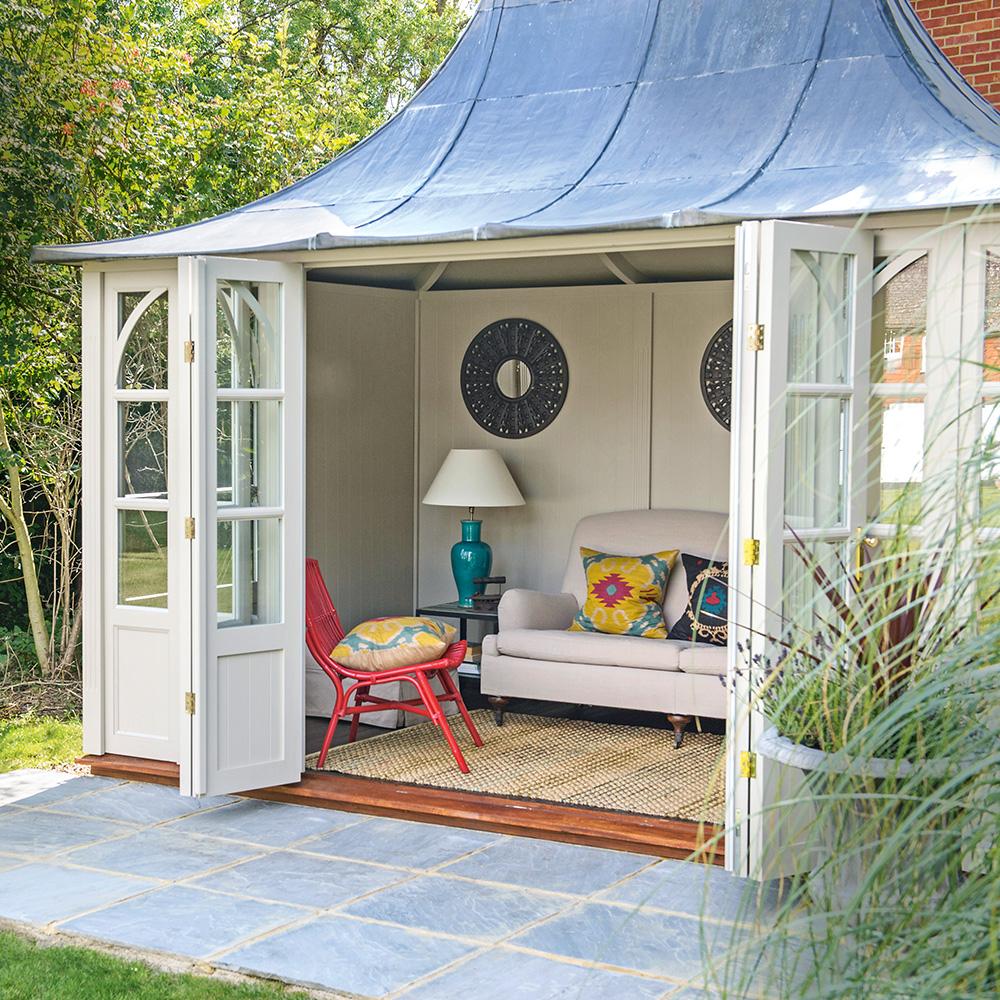 La casa estiva mescola e abbina le idee di stile di mobili estivi Polly-Eltes