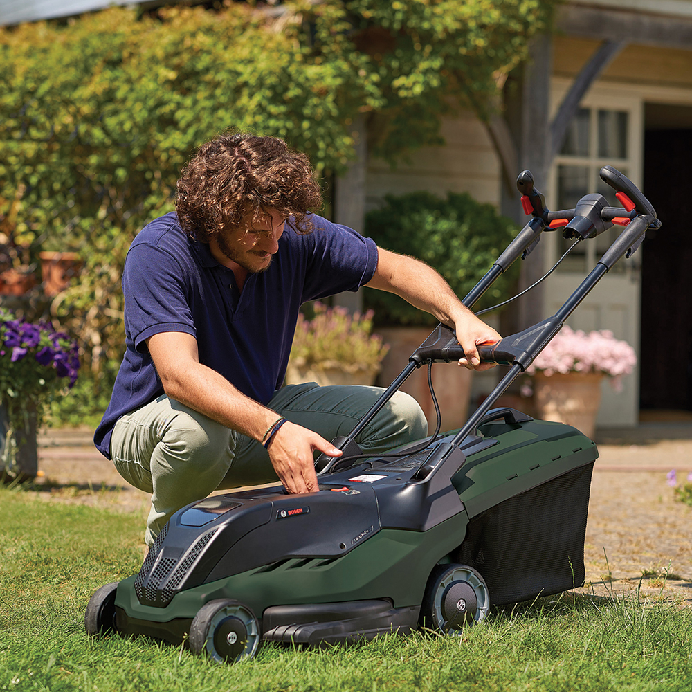 best-lawn-mowers-Bosch AdvancedRotak 750 LIFE