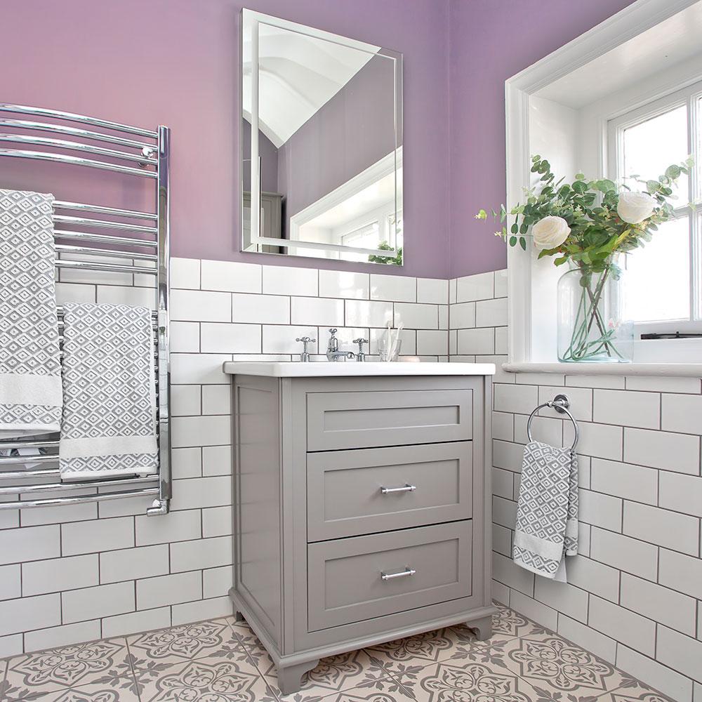 metro-tessere-2 Lilac-e-bianco-bagno-con-