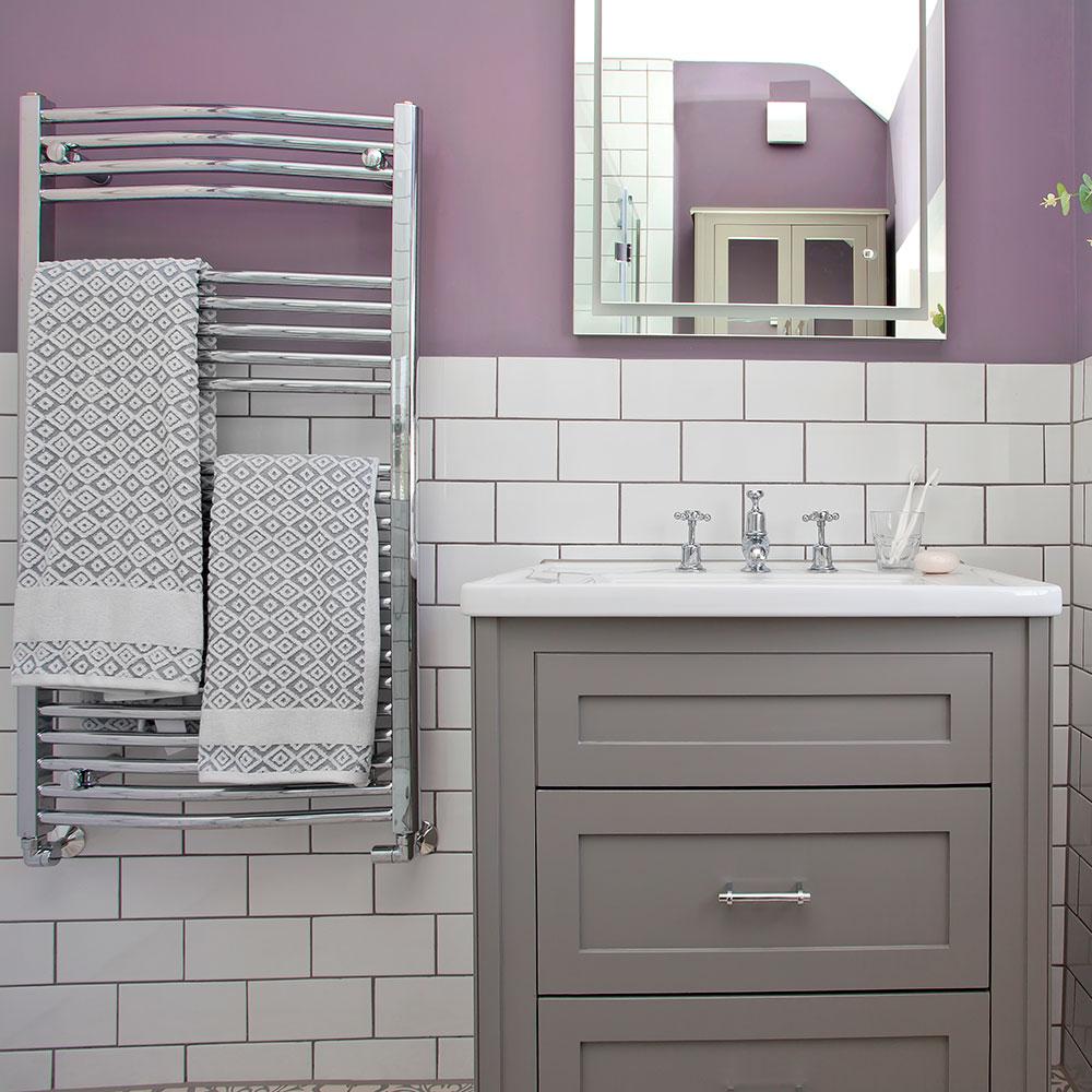 metro-tessere-3 Lilac-e-bianco-bagno-con-