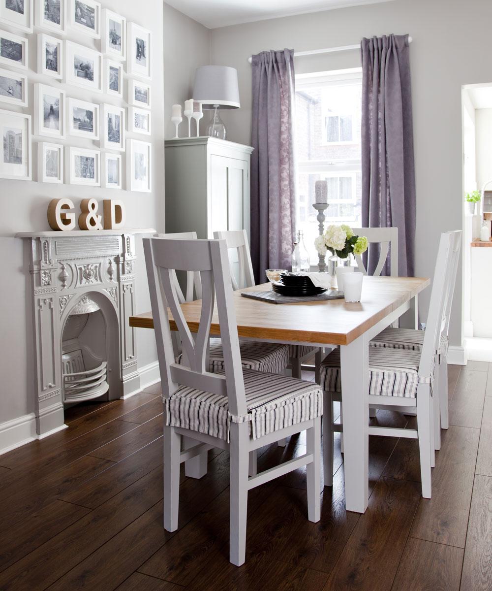Sala da pranzo tradizionale piccola con accenti lilla